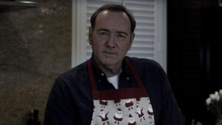 Spacey publicó este lunes un video críptico en el estilo de Frank Underwood, su personaje de House of Cards.
