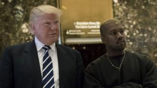 West yasuye inyubako ya Trump Tower nyuma yuko Bwana Trump yari amaze gutorwa nka Perezida
