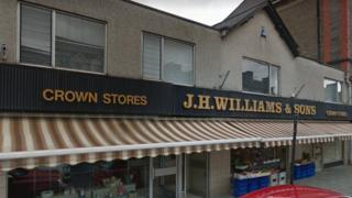 Siop J.H. Williams & Feibion Crown Stores