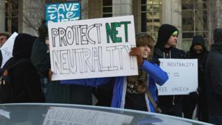 联邦通讯委员会的决定惹来示威