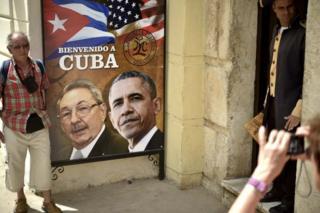 Obama wuxu debciyey xayiraadihii shirkadaha Maraykanka laga saaray in ay Cuba ka shaqeystaan