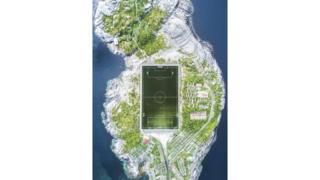 Lofoten adalarındaki futbol sahası