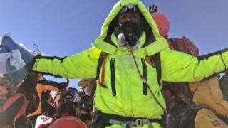 Kuntal Joisher no pico do Everest