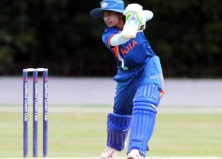 Indian women's team captain Mithali Raj is a top player, but earns much less than her male counterpart Virat Kohli