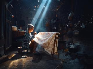 batik craft maker in Indonesia