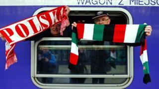 Польський та угорський прапори