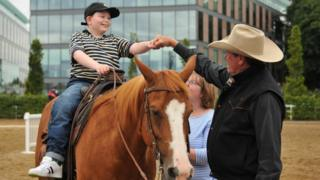 Thomas Woodrow's wish to meet US-based horse trainer Pat Parelli came true at the Dublin Horse Show