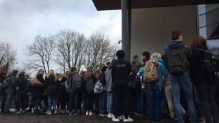 Staring Koleji öğrencileri