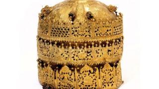 Taji linalowavutia watu wengi kutokana na mtindo wake