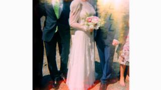 """Британский фотограф Эмма Кейс предлагает услуги съемки свадеб """"Хольгой"""" - для тех, кто ценит теплую аналоговую гамму"""
