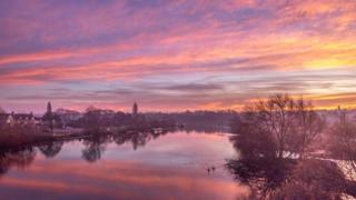 in_pictures Sunrise over Gunthorpe Bridge in East Bridgford, Nottinghamshire