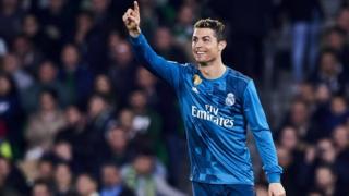 Ronaldo a inscrit mercredi, face au PSG, ses 100ème et 101ème buts en C1 avec le Real.