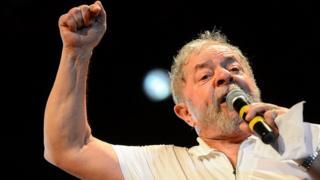 Ex-presidente Lula discursa em ato contra o impeachment da presidenta Dilma Rousseff nos Arcos da Lapa em 11 de abril de 2016