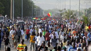 maliens, palestiniens, manifestations contre la décision de trump