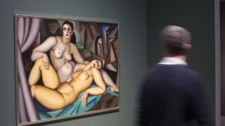 A obra 'Les Deux Amies', de Tamara de Lempicka,