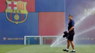ارنستو والورده سال ۲۰۱۷ اتلتیکو بیلبائو را برای پیوستن به بارسلونا رها کرد