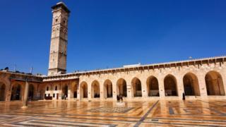 Двір Великої мечеті в Алеппо