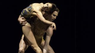 Royal Ballet dancers
