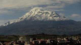 El volcán Chimborazo desde Río Bamba