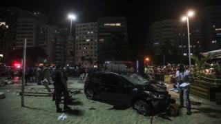 Carro desgovernado que atropelou mais de 17 pessoas em Copacabana