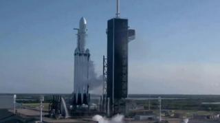 أحرزت شركة سبيس إكس تقدماً ملحوظاً في مجال الصواريخ القابلة لإعادة الاستخدام الذي سيوفر الكثير على رحلات الفضاء وسيحرز تقدماً مجال الاستكشاف الفضائي.