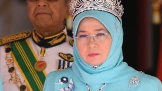 Malaysia queen denounces arrest of online critics