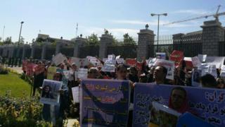 تجمع تشکلهای مستقل کارگری در مقابل مجلس در حالی به خشونت کشیده شد که تشکلهای نزدیک به دولت در مقابل خانه کارگر تجمع کرده بودند