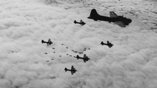 """""""Летающие крепости"""" 8й воздушной армии ВВС США"""