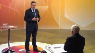 討論番組に出演したキャメロン首相(19日)
