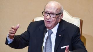 الرئيس التونسي عبر عن أمله في ألا يقضي الإرهاب على بلاده