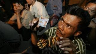 অবৈধ অভিবাসী ধরতে মালয়েশিয়ার সরকার মাঝেমধ্যেই অভিযান চালায়