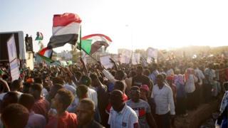 اعتراضات در سودان همچنان ادامه دارد