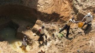 Selon André Bantou, un creuseur que nous avons joint à Tshikapa, l'insécurité paralyse le travail dans les mines.