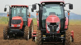 Роботи трактори
