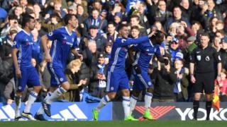 Eden Hazard ghi bàn thứ hai cho Chelsea trong trận thắng Arsenal ngày 4/2