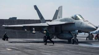 """قال الجيش السوري إن """" إسقاط طائرة عسكرية تابعة له سيكون له عواقب خطيرة على جهود محاربة الإرهاب""""."""