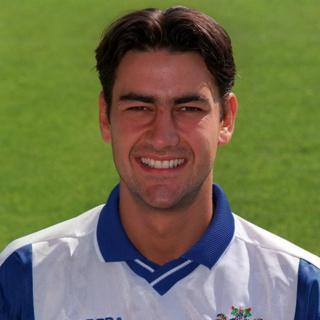 Andy Woodward con la camiseta del Bury en la temporada 1999-2000.