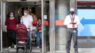 positive news Shoppers in Belfast