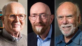 (จากซ้ายไปขวา) ไรเนอร์ ไวส์, แบร์รี บาริช และคิป ธอร์น