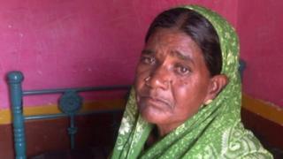 आत्महत्याग्रस्त शेतकऱ्याची पत्नी