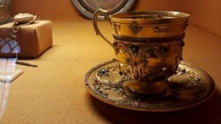 सोने का कप, हैदराबाद, निज़ाम म्यूजियम, निज़ाम मीर उस्मान अली ख़ान