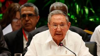 "Cuba""s President Raul Castro reads during the closing ceremony of the 7th Summit of Heads of State by the Association of Caribbean States at Revolution Palace in Havana, Cuba, Saturday, June 4, 2016. (Jorge Luis Baños/Pool photo via AP)"
