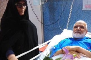 مهدي كروبي أثناء خضوعه لعملية جراجية لزرع منظم لضربات القلب في وقت سابق من أغسطس 2017