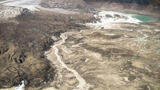 "Slims River: Climate change causes ""river piracy"" in Canada's Yukon"