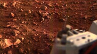 Foto de la superficie de Marte enviada por Viking I