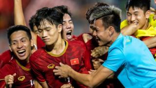 Nguyễn Hoàng Đức tỏa sáng ghi bàn giúp Việt Nam chiến thắng