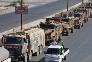 Suriye'de ilerleyen Türk askeri konvoyu