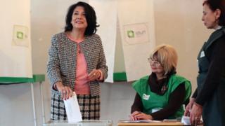 Ms Zurabichvili votes