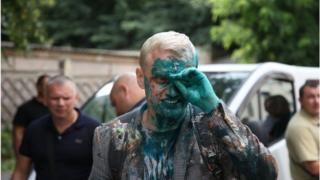 Активист Виталий Шабунин, облитый зеленкой