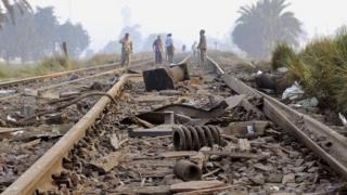 Au moins 36 personnes ont été tuées et 100 autres blessées vendredi dans la collision de deux trains dans le nord de l'Egypte.